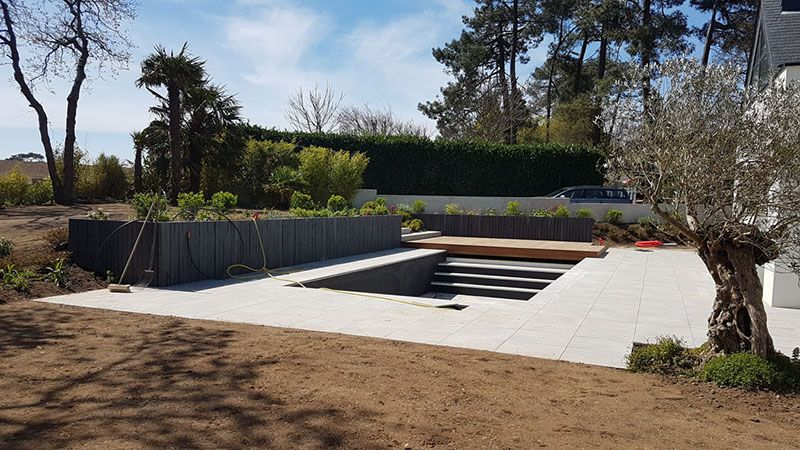 Am nagement petit jardin morbihan maezad for Implantation jardin